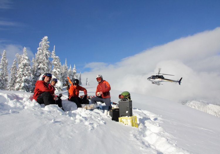 Eagle Pass HeliSkiing | Lunchtime on the hill | Photo : Craig Ellis