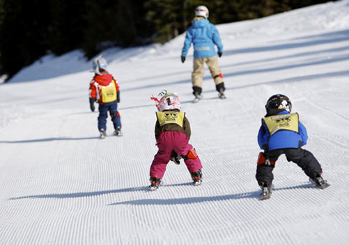 Whistler ski lessons: lots of kids