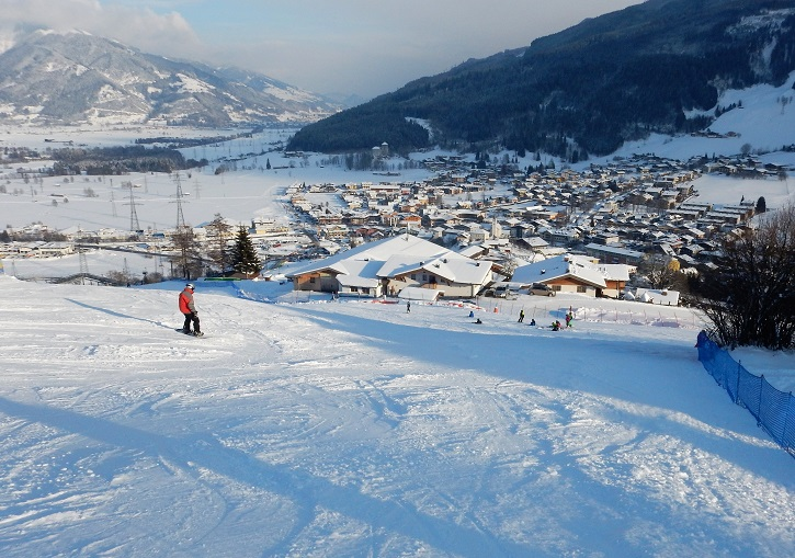 Kaprun ski area Maiskogel is brilliant for families and ends right in town.