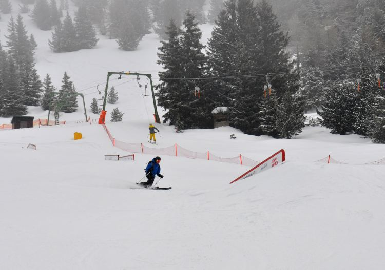 Patscherkofel has a small terrain park, easy enough even for older skiers!