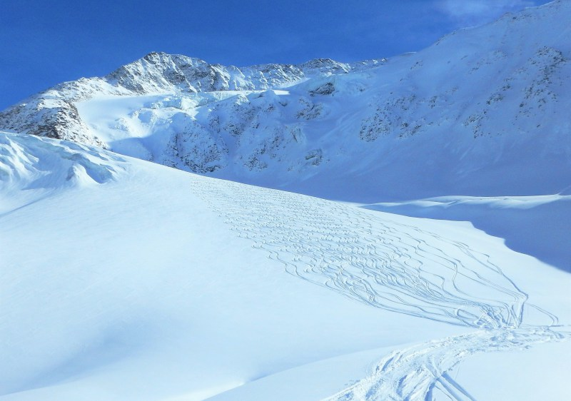The Taschachtal variant has heliski quality skiing on its 10km+ length.