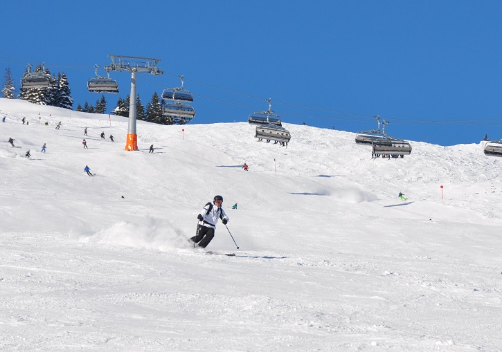 World class lifts and pistes at SkiCircus Saalbach.