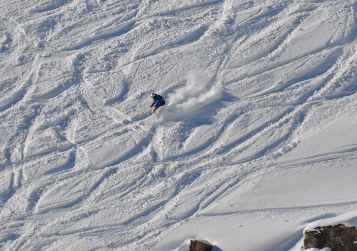 Powder in the off piste days after the last snowfall at the SkiCircus.