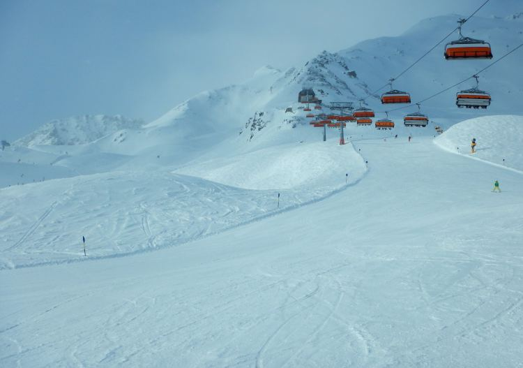 Wide open pistes at Solden are great for beginners & intermediate skiers.