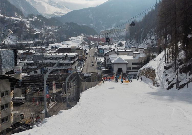 Skiing Sölden includes big trails with 2000m of vertical descent into town.