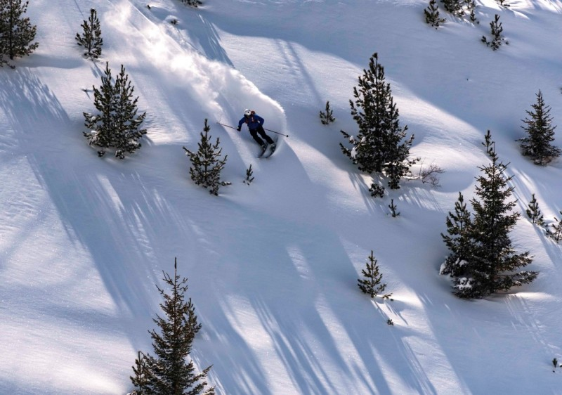 Lynx Freeride Cat Skiing