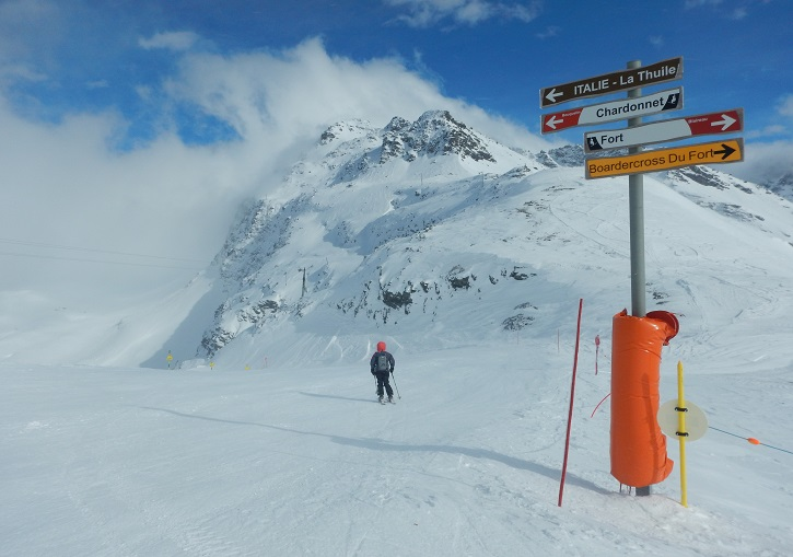 Heading back to Italy from Col De La traversette at La Rosiere.