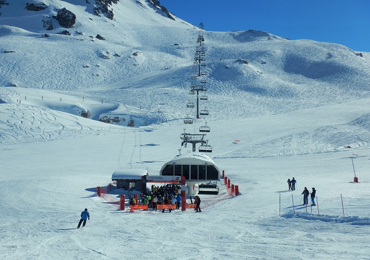 Marmottes chair is the main link between tignes and Val d'Isere.