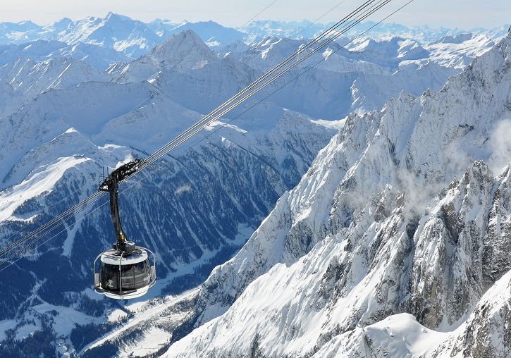 The magnificent Skyway cable car uo to Monte Bianco above Courmayeur.