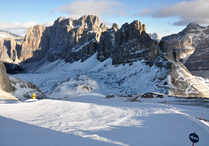 Cortina ski resort Armentarola trail ends with a horse drawn ski tow!