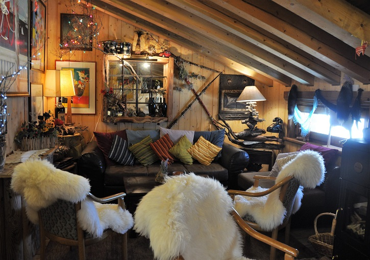 Alpine huts & rifugios in Italy offer cosy retreats from the cold. La Thuile ski resort.