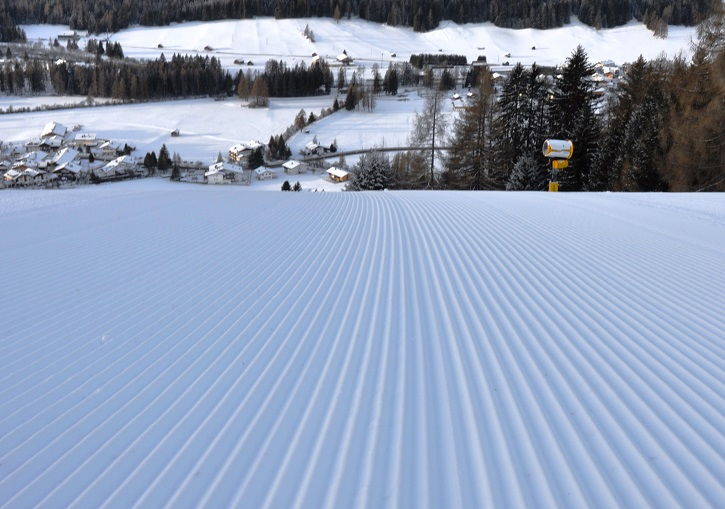 Super grooming on all advanced pistes at 3 Peaks.
