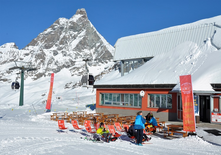 Linking gondola to the Laghi Cime Bianchi is a glorious location at Cervinia.