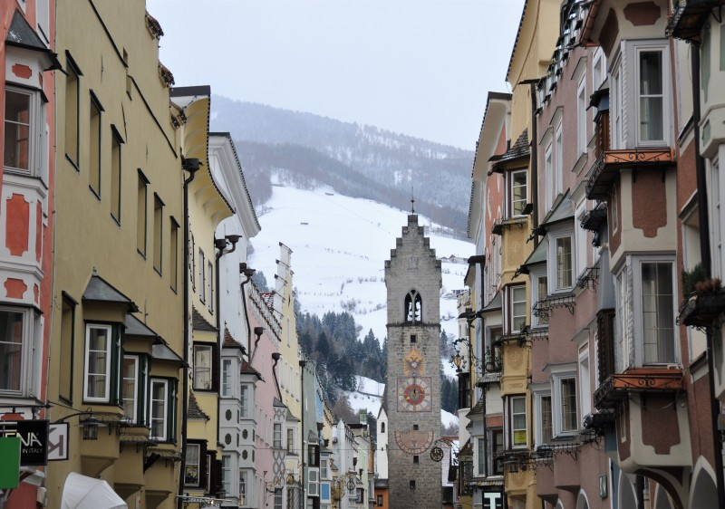 The main street of Vipiteno Sterzing leads directly to Monte Cavallo Rosskopf ski resort