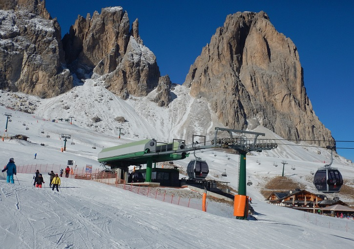 The Pradel-Rodela gondola links Val di Fassa with Val Gardena.