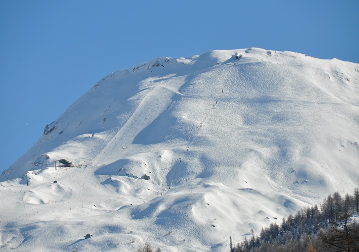 Challenge yourself on the off-piste steeps at Sestriere.