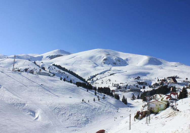 Ski and snowboard Macedonia.