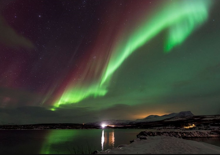 The breathtaking Aurora Borealis near Riksgransen. (Photo - S. Skinner)