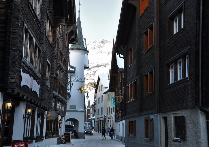 The charming old town centre of Andermatt.