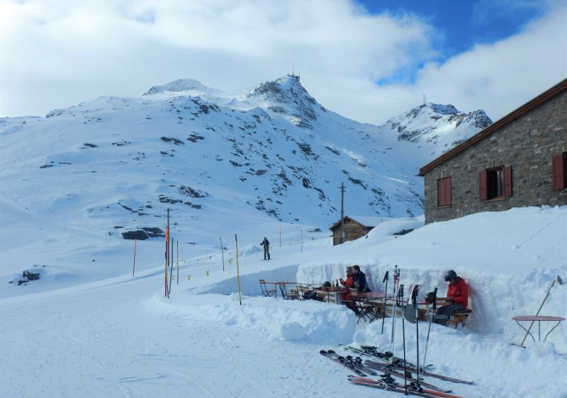 Lunch can be at a mid mountain hut overlooking the glacier