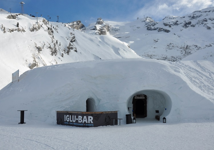 Perfect place to end a gnarly descent at Engelberg, the Iglu bar.