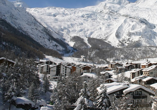 The village of Saas-Fee is a few pretty little traditional village