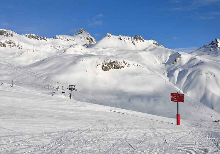 Paradise for intermediates; St Moritz has uncrowded, long, wide piste trails.