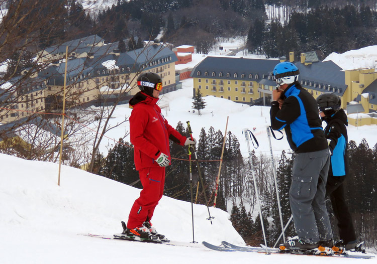 International snowsports school with lessons in English