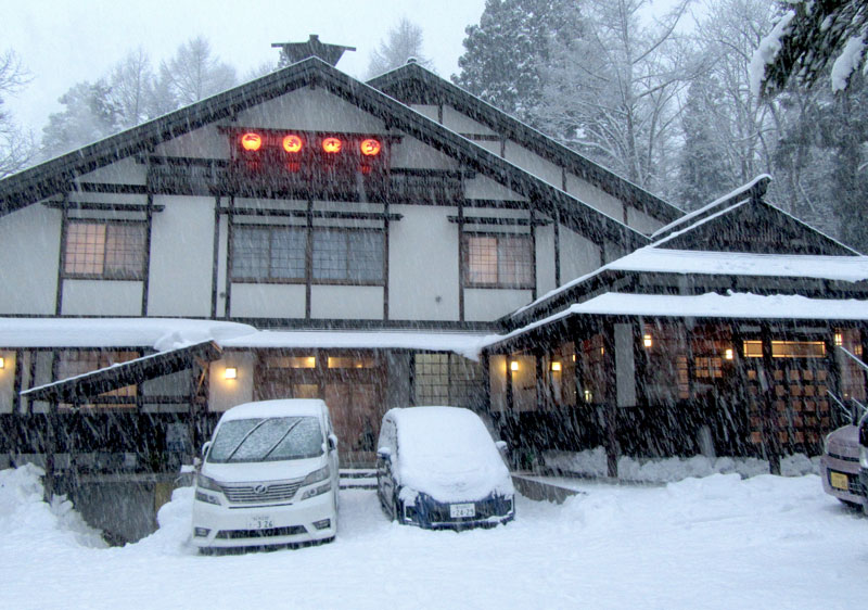 Snowing again in Goryu