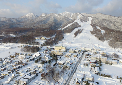 Hakuba - huge ski area perfect for piste ski fanatics