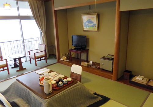 Takahan Ryokan provides traditional Japanese Yuzawa accommodation. Takahan is very historic and the tradition oozes from this Yuzawa ryokan. See our review of Takahan Yuzawa.