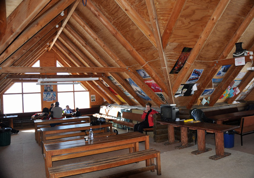 Mt Lyford ski area day lodge