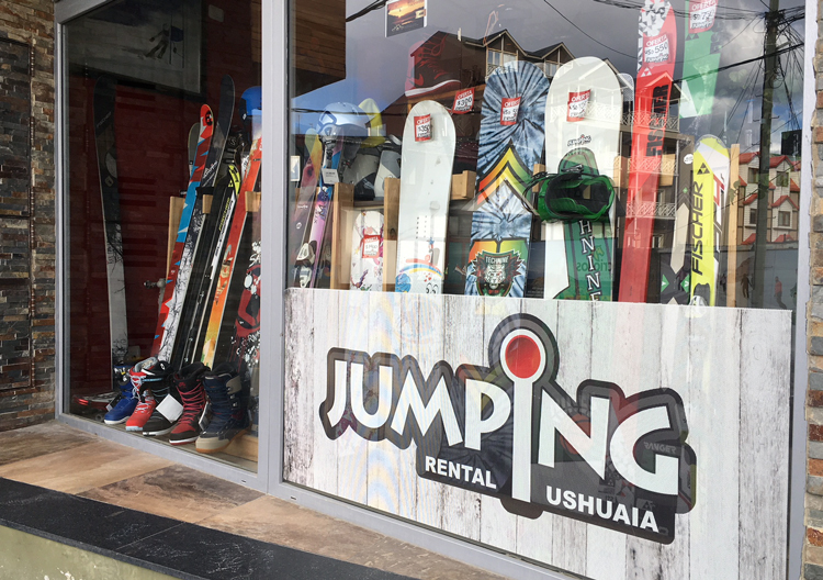 There are a few Ushuaia ski and snowboard rental shops