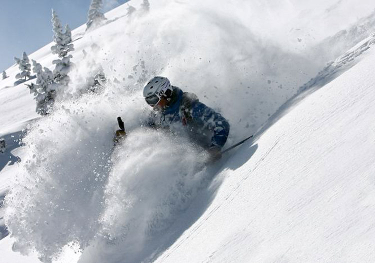 Powder skiing is an addiction