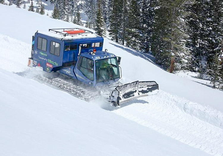Comfortable snowcat at Powder Addiction