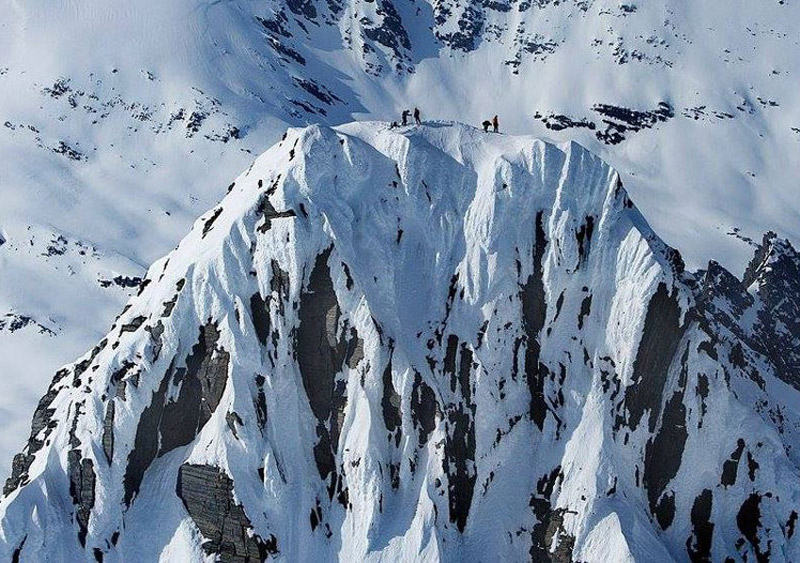 Best Heliskiing In The Usa